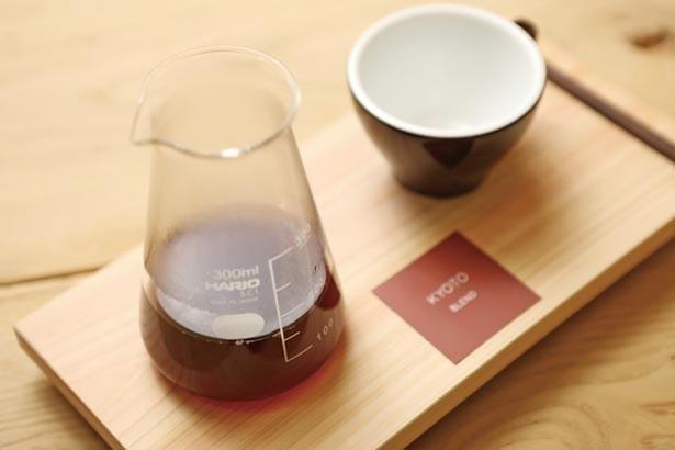 「ドリップコーヒー」(500円)は約7種から豆が選べる。写真は華やかな飲み口の京都ブレンド/LIGHT UP COFFEE KYOTO