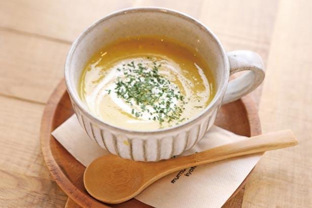 2月中旬に新タマネギのポタージュが登場する「季節のスープ」(450円)も好評/murmur coffee kyoto