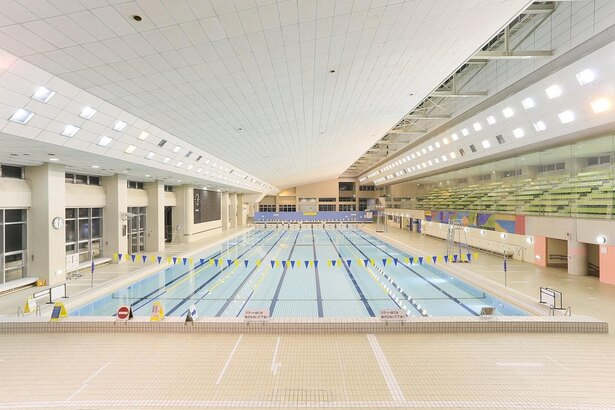 町田市立室内プールには本格的な50メートル公認プールが!
