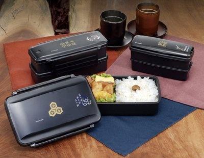 左上:「真田幸村」男性用2段タイプ 中央:「直江兼続」男性用1段タイプ 右上:「伊達政宗」女性用2段タイプ