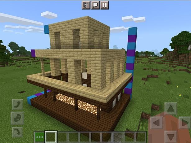 色ブロックはサイズガイドのために配置。正面横は、10ブロックだ