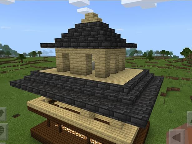 建物(骨組み)よりはみ出している部分はハーフブロック、それ以外は階段ブロックを積んでいる