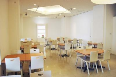 市民の憩いの場にもなっている横浜美術館併設の「Café 小倉山」