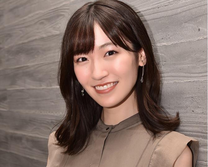 前島亜美が、3つの役柄をひとつの舞台で演じ分ける意気込みを語る