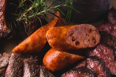 赤唐辛子のホットな辛さをベースにしたスパイシーな腸詰を使用した「チョリソーソーセージ」