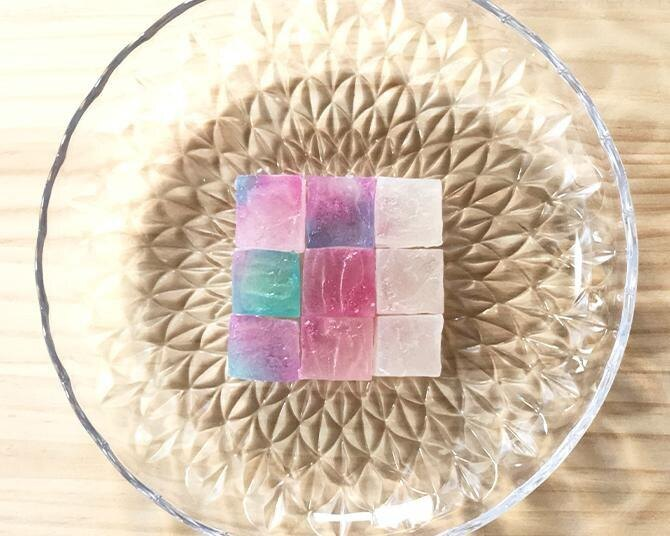 【夏の自由研究】SNSで話題!夏の伝統和菓子「琥珀糖」を作ろう