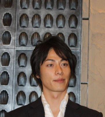 俳優・成松慶彦さん