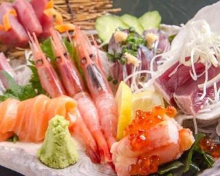 魚まさ函館五稜郭総本店/おまかせ特七点盛。ほかにも見逃せないメニューがいろいろ。たとえば……