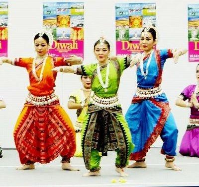 本場のインド舞踊が間近で見られる