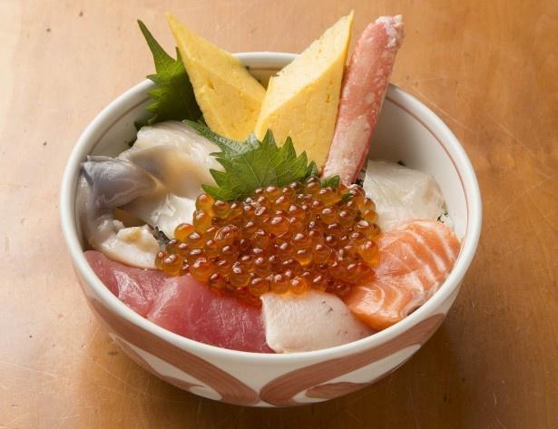 柿崎商店 海鮮工房/海鮮丼(味噌汁、漬物付き)
