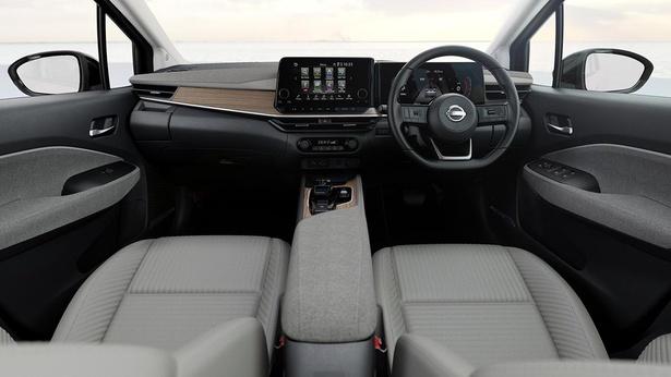 【写真】コンパクトカーとは思えないスタイリッシュで上質な車内空間