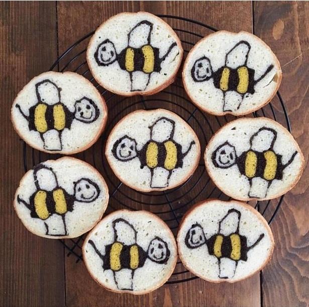 お子さんが描いたハチのイラストをパンに。Ranさんが大切にしている作品の1つ