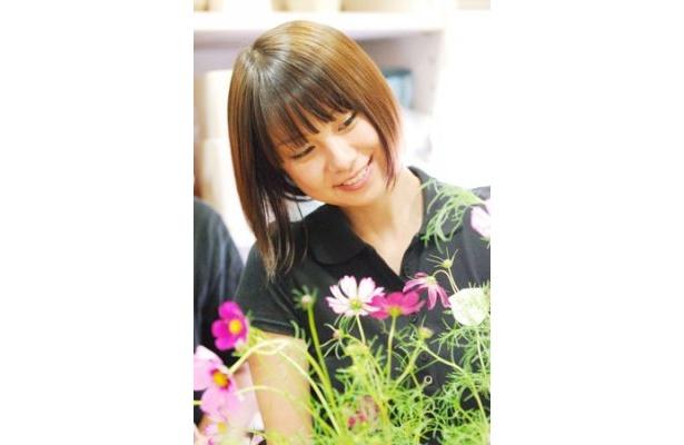 人気モデル田中美保が、フラワーショップを開業する女の子を好演する「Flower Shop Diary」