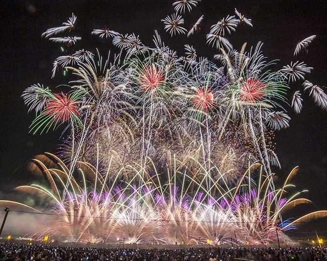 本日8月20日(金)、市民有志がシークレットで「大曲の花火」を再現!地域に元気を届ける