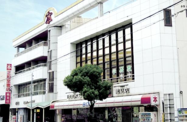 1970年創業の正和堂書店。約10万冊の在庫を用意する