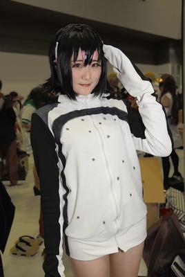 「けものフレンズ」のフンボルトペンギンに扮する冷凍とれこさん