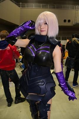 「Fate/Grand Order」のマシュ・キリエライトに扮するキノコさん