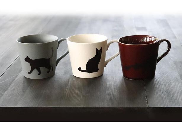 【写真で変化を見る】45度以上の飲み物を注ぐとマグカップの黒猫が……
