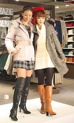 """ほしのさんが着ているのがSHIHOさんプロデュースの「美シルエットコート」。こだわりは""""襟""""だそう"""