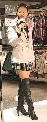 SHIHOさんはザジのダウンコートで登場