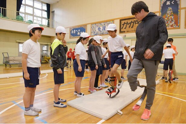 2017年から実施しているスポーツ義足体験授業の開催校は238校にのぼる