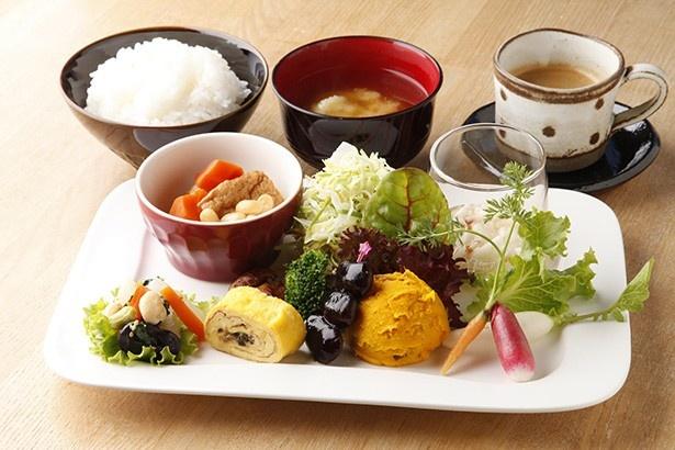 ファームレストラン 野島さんち/週替わりランチプレート(ライス、みそ汁、ドリンク付き) 970円