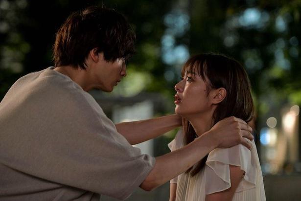 「来世ではちゃんとします2」第5話、同僚の松田くん(小関裕太)と大森桃江(内田理央)