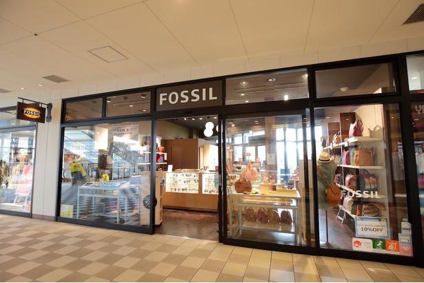 パークサイドエリア2階にある『FOSSIL』