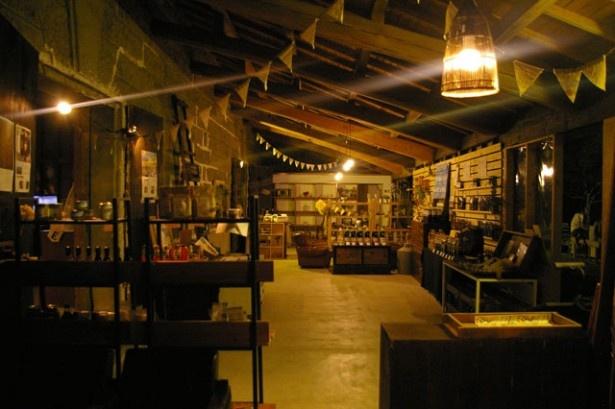 「児玉醸造 直売所」。歴史を感じるレトロな雰囲気が人気を集めている