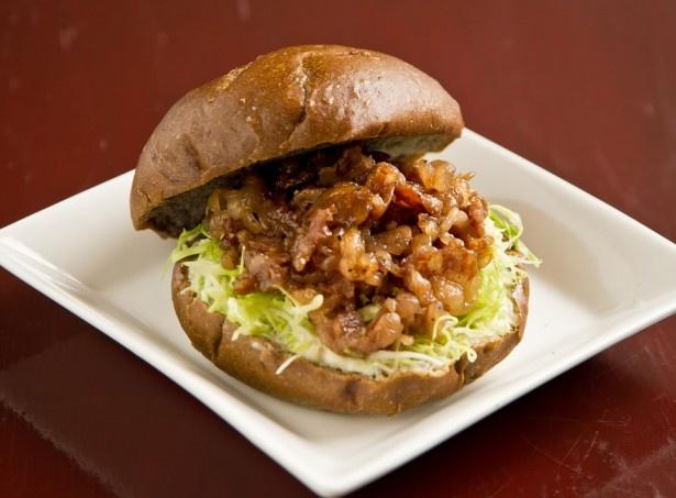 蕎麦処 瑠瞳/はこだて和牛バーガー 紅。木古内のオススメスポットはまだまだ……