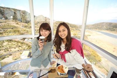 """静岡県内をドライブ仕立てに紹介し""""静岡を楽しむ20コース""""特集では、話題のスポットを一挙紹介"""