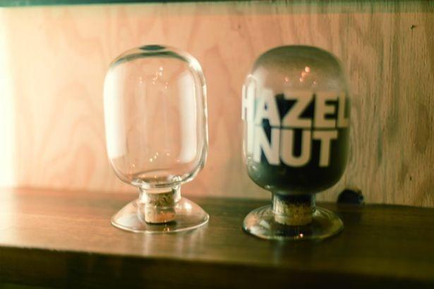 店舗でも使用しているコーヒー用の瓶も購入可能。価格は3240円から/BLACK BRICK PLANTS GENERAL STORE