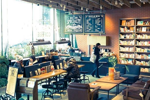 一定周期でコンセプトが変わる「niko and...」内のカフェでは3種類のスペシャルティコーヒーを2種類の飲み方で味わえる/niko and...COFFEE