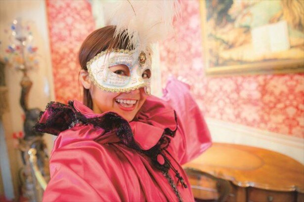 【写真を見る】仮面&マントの無料レンタルあり!