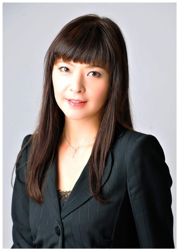元宝塚歌劇団月組トップスターの彩輝なおが面影玲子を演じる