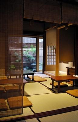 1階は豆をテーマにしたカフェとして営業