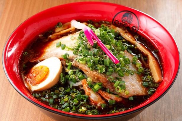 八丁味噌をダイレクトに味わえる家康らーめん赤鬼(950円)