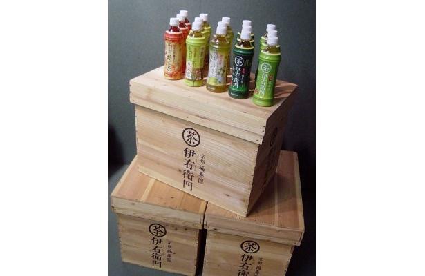 サントリー食品(株)の人気のお茶「伊右衛門」シリーズやお茶の資料も展示されていた