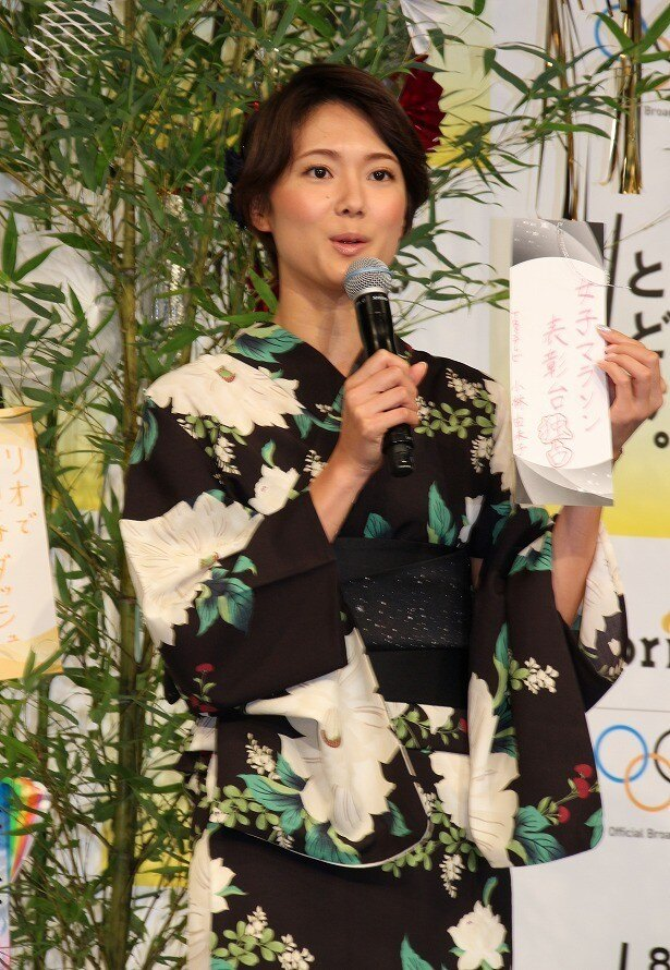 「女子マラソン表彰台独占」と記した小林由未子アナ(TBS)は、3人の日本人選手のメダル総取りを期待