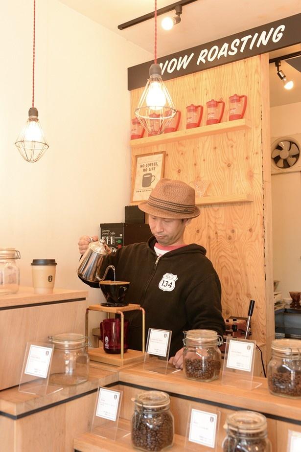 イマジネーションコーヒーの気さくなオーナー、宝珠山さん