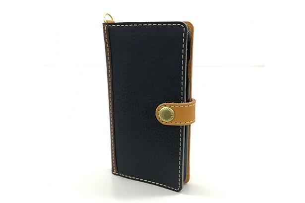 エキソラ「iPhoneケース」(5400円)は8色からセレクトできる