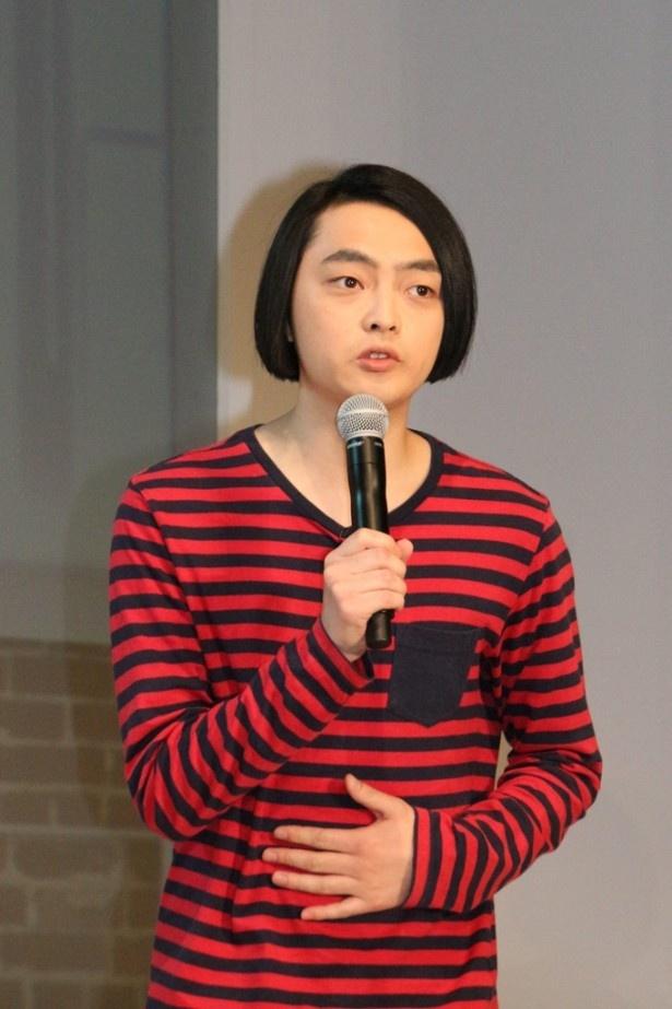 壇上に上がったピスタチオ・小澤慎一朗は、「今、みんなが思っているより100倍緊張しています」と心境を語る
