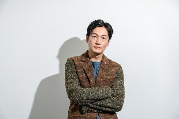 【写真】井浦新のミステリアスな魅力満載な撮り下ろしカット多数!