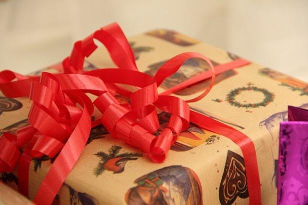 プレゼントをもらったとき、あなたなら値段を調べますか?