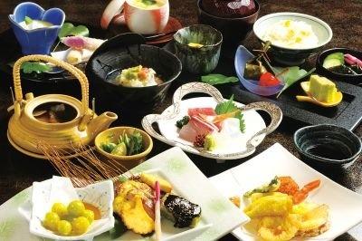 「季節料理 しろ石」のぎんなん会席(4200円)
