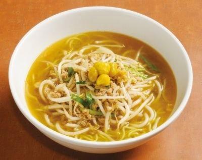 小麦粉に対しギンナンを18%練り込んだ麺がポイント! 銀杏ラーメン(780円)