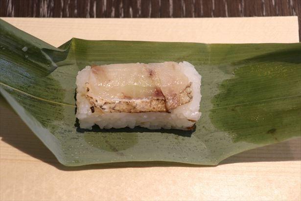 炙られた「のどぐろ」が香ばしく、柚子わさびが隠れたアクセントとなっている