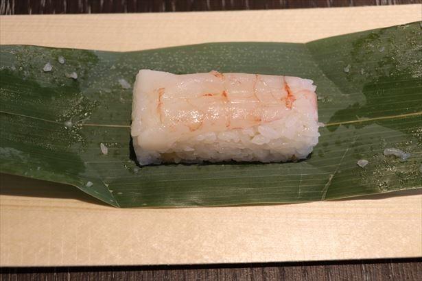 「甘えび」。北陸福井県産、鮮度の良い船凍品の甘海老を使用