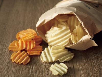 新食感の「ポテトビート」は特徴的なウエーブカットで素材の美味しさを残しながら軽い食感を実現