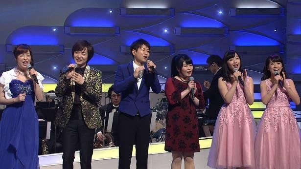 【写真を見る】左から瀬口侑希、竹島宏、パク・ジュニョン、中西りえ、山田姉妹